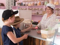 Wallace's General Store / Art & Craft Gallery